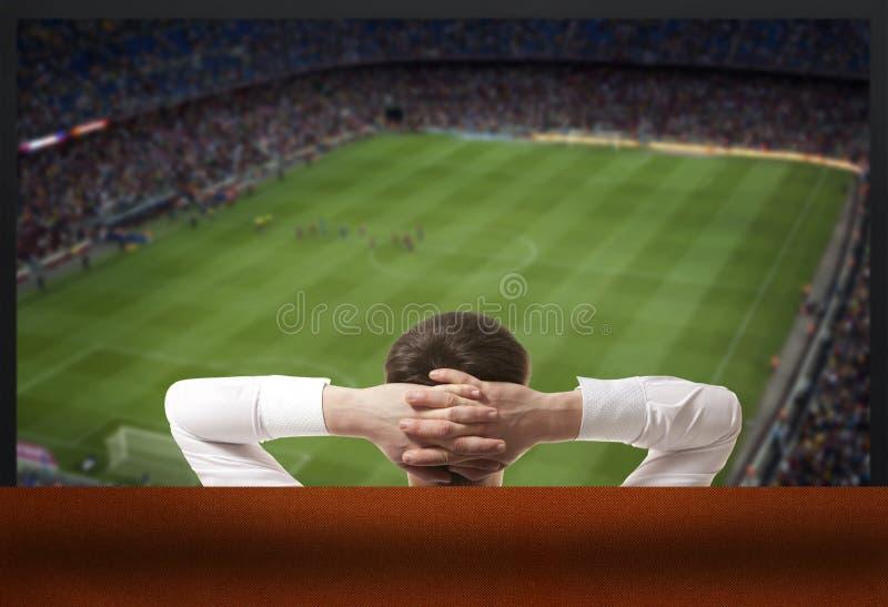 наблюдать tv футбола игры стоковые изображения