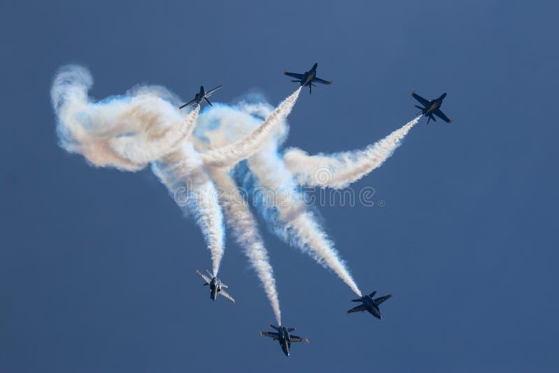 Наговор голубых ангелов стоковые изображения