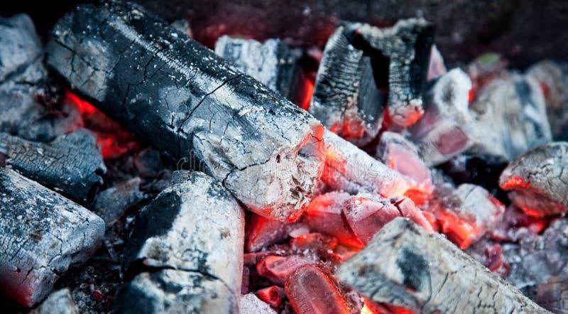 нагретые угли стоковое фото rf