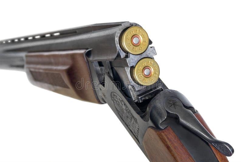 Нагружая двух-barreled корокоствольное оружие стоковая фотография rf