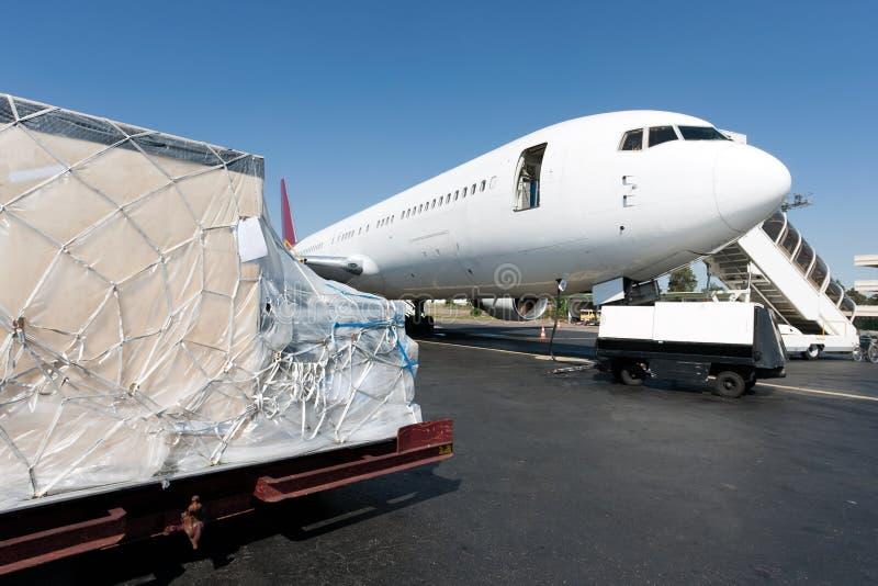 нагрузка freigth самолета стоковые изображения rf