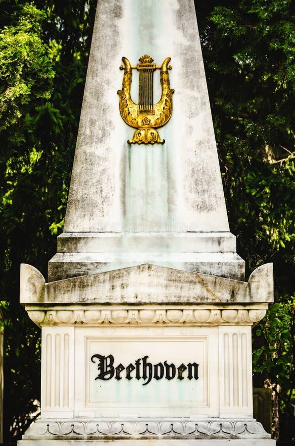 Надгробная плита Бетховен в кладбище Вены центральном стоковое фото