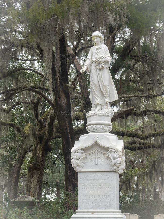 Надгробная плита в кладбище Бонавентуры стоковое изображение rf
