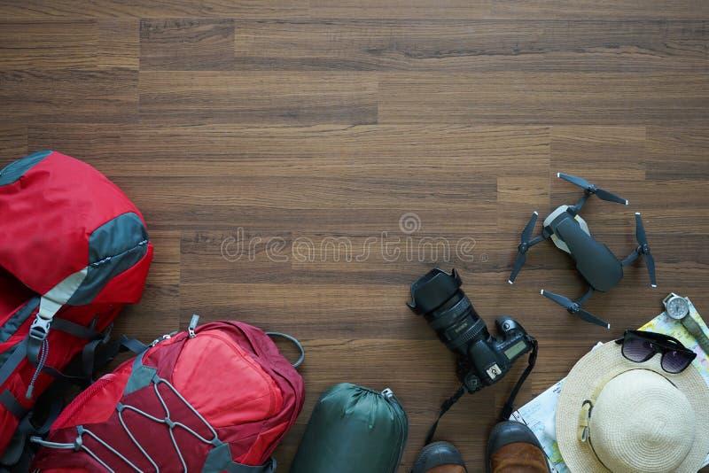 Надземный взгляд аксессуаров ` s путешественника стоковые фото