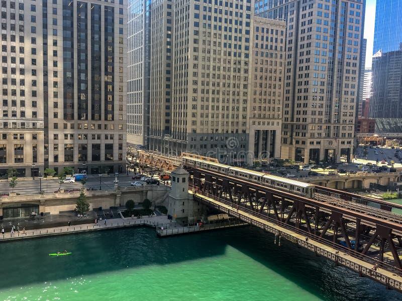Надземный взгляд лета в Чикаго, как повышено стоковая фотография