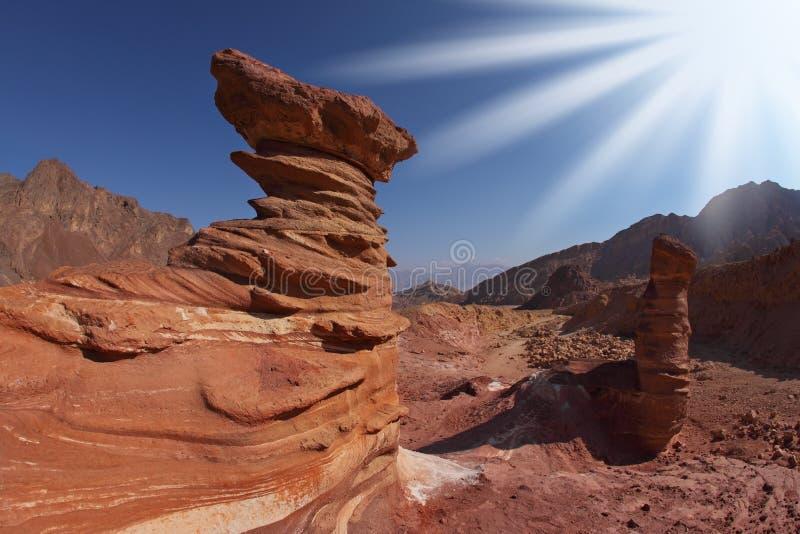 над солнцем песчаника форм сверкная стоковое изображение