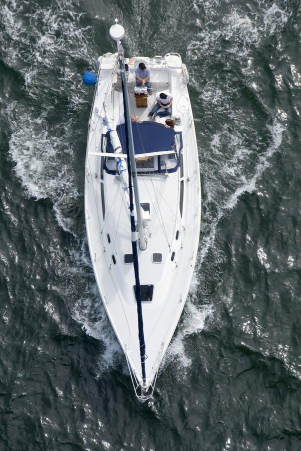 над яхтой стоковое изображение