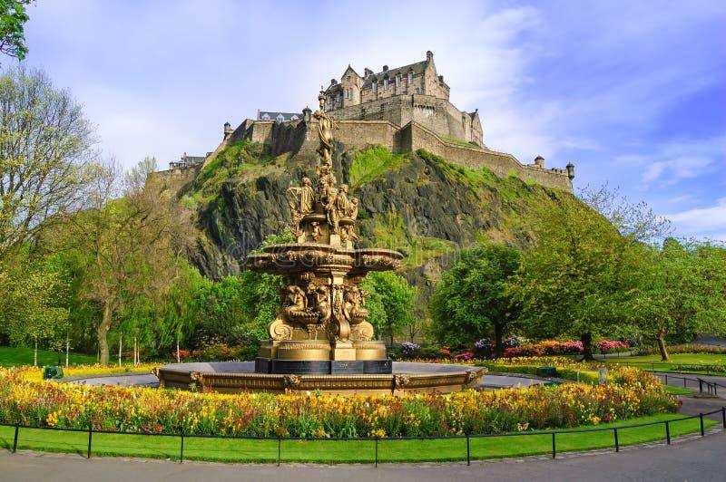 Наземный ориентир фонтана Ross в Эдинбурге, Шотландии стоковое фото rf