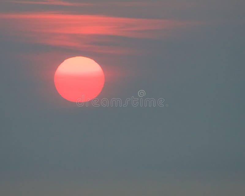 накаляя восход солнца солнца стоковое изображение rf