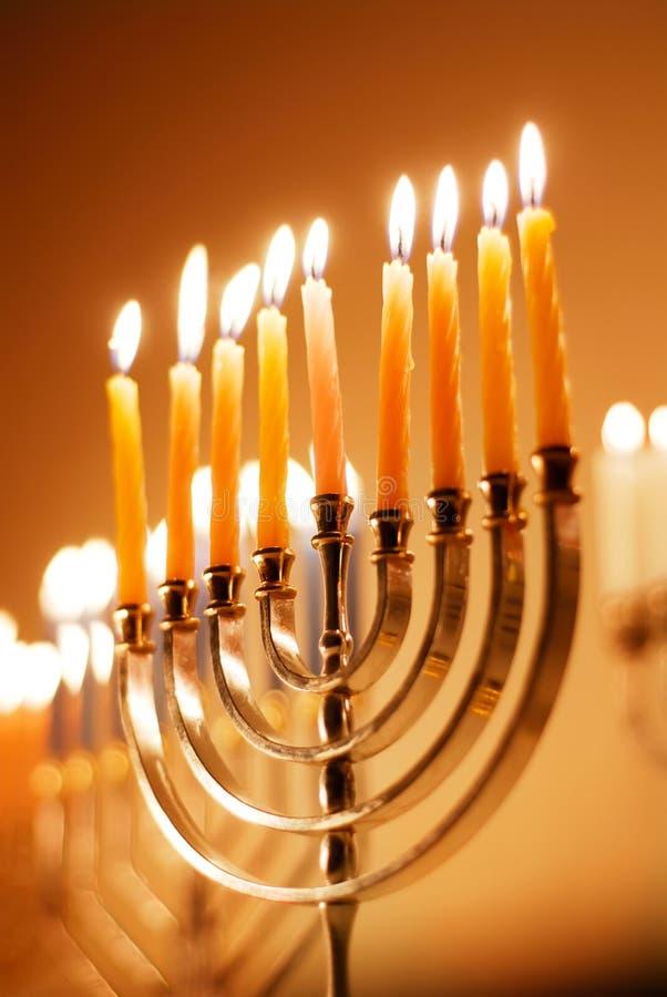 накаляя menorah hanukkah стоковое изображение