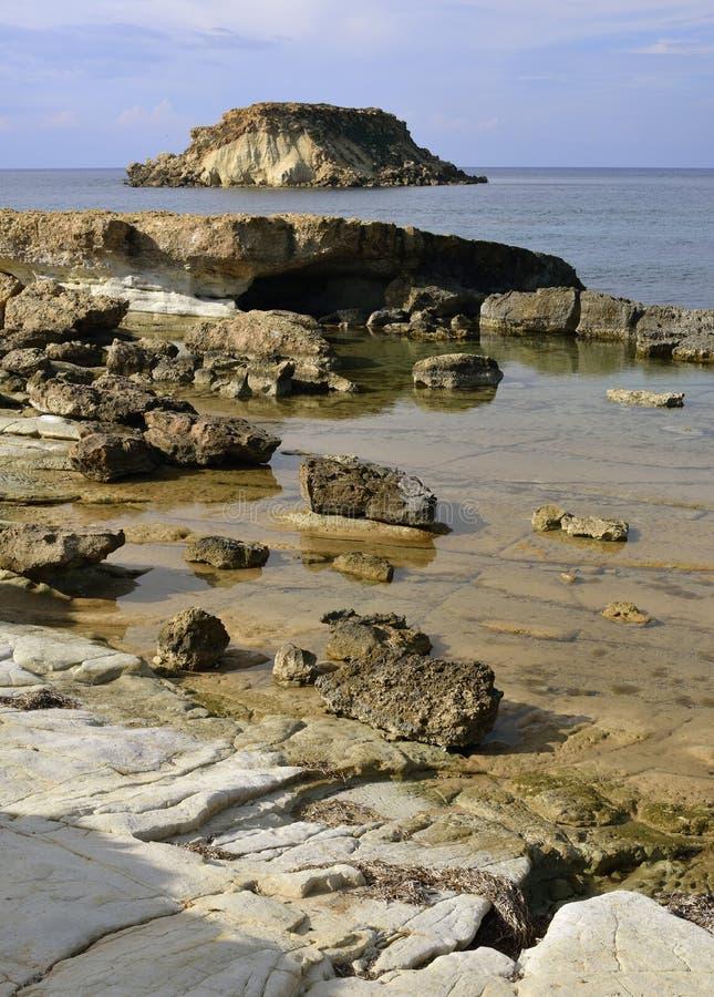 Накидка Drepano & остров Geronisos стоковая фотография rf
