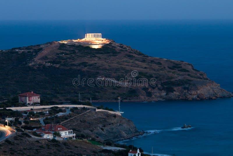 Накидка Sounion, висок Poseidon, Attica, Греция, twilight время стоковая фотография