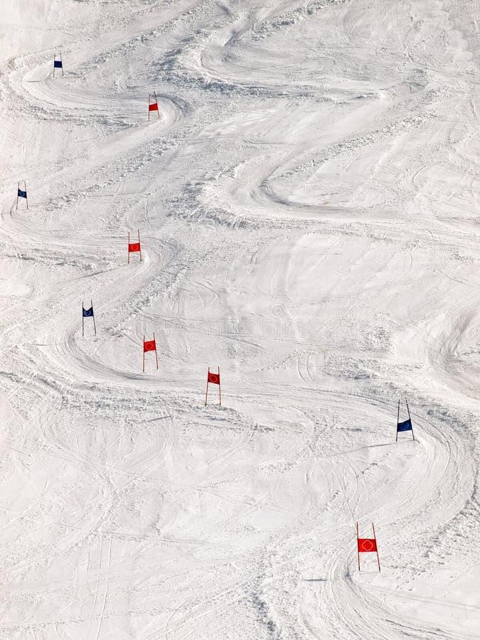 наклон лыжи стоковое изображение rf