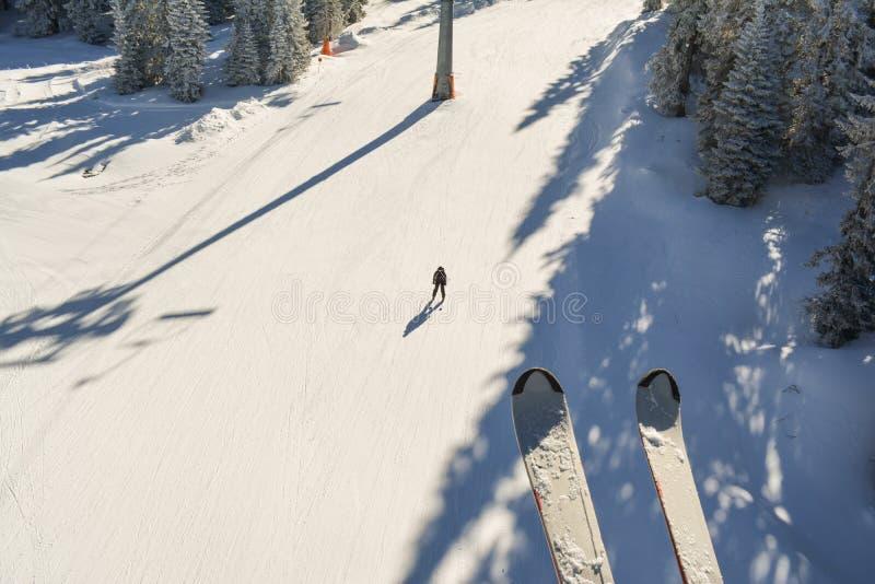 Наклон лыжи сверху стоковое изображение rf