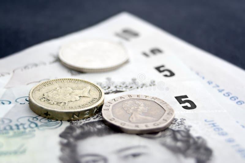 Наличные деньги & монетки 1 стоковые фото