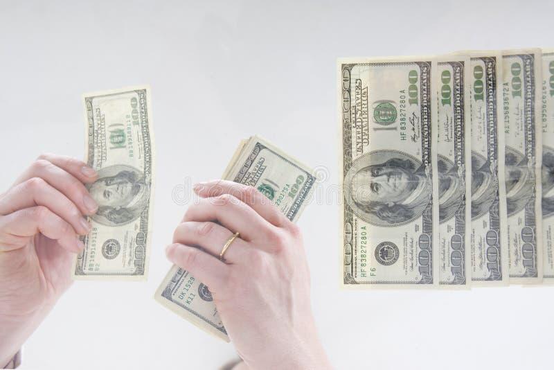 наличные деньги handeling стоковое изображение