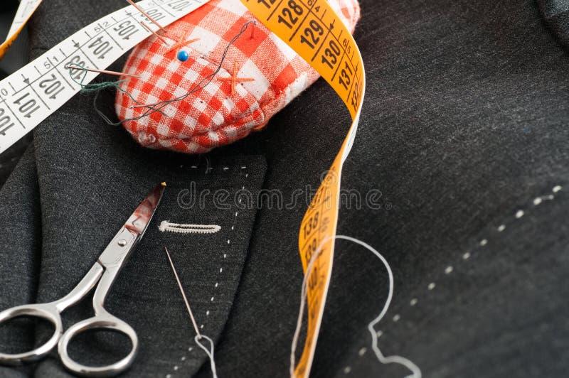 Наметанное портняжничанное платье стоковая фотография rf