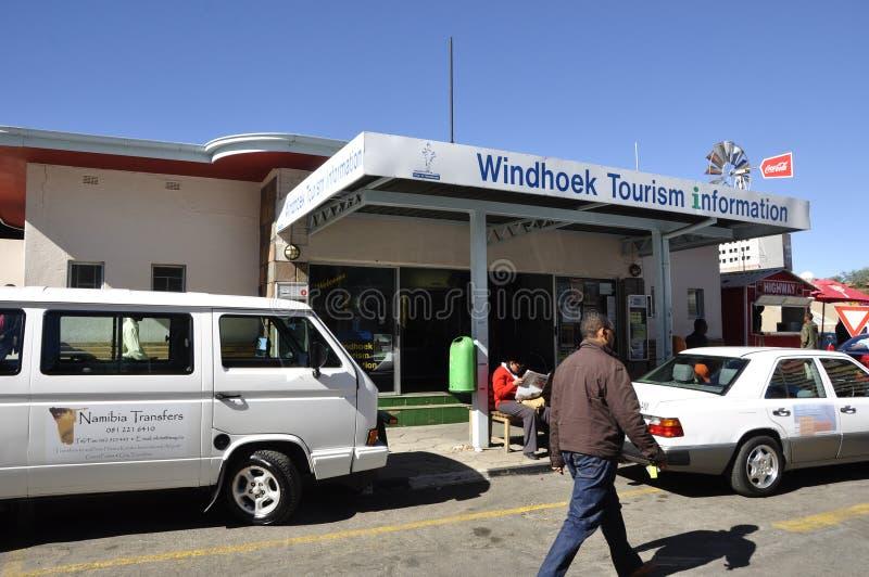 Намибия: Справочно-информационный центр туристической информации Виндхука помогает туристам и посетителям стоковое фото rf