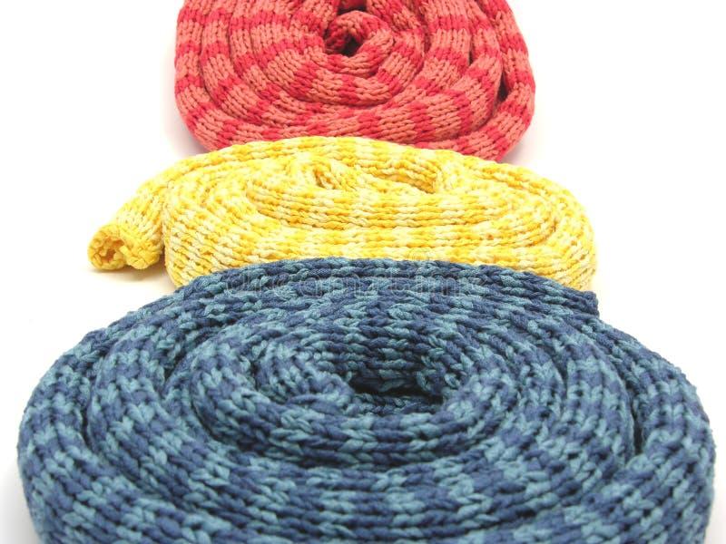 намотанные шарфы striped вверх стоковое изображение rf