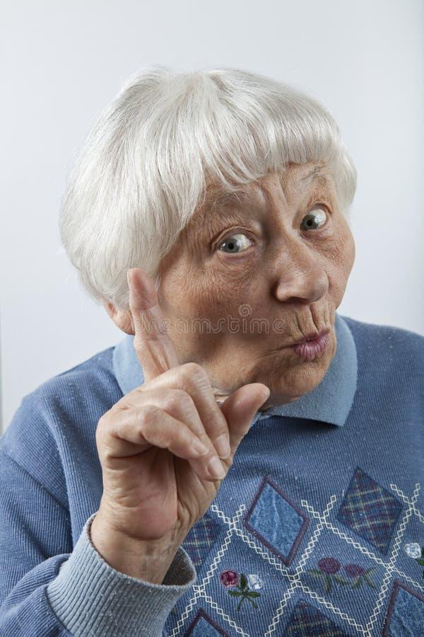 напоминать старшей женщине стоковые изображения rf