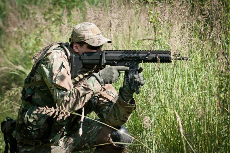 направлять экстренныйый выпуск воина враждебных усилий стоковое фото rf