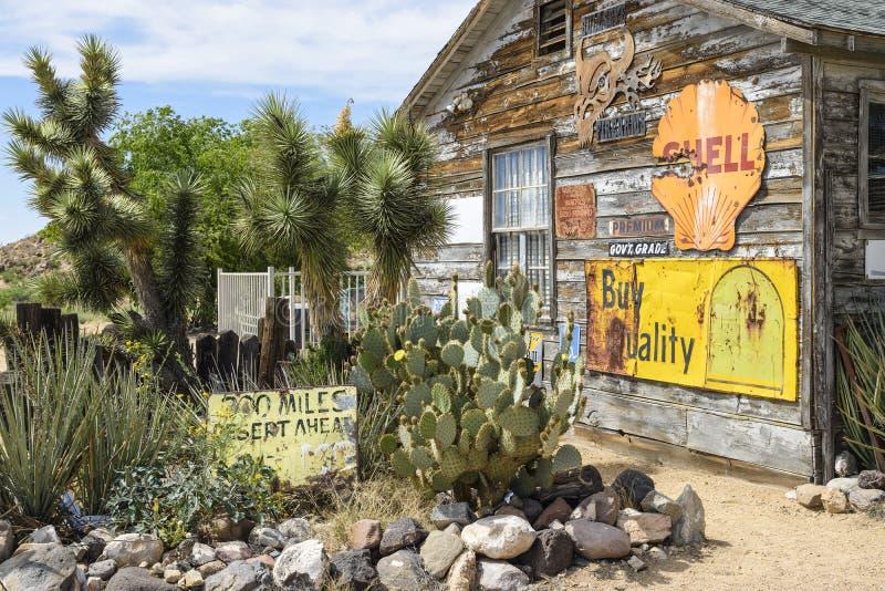 Направьте 66, Hackberry, AZ, старый магазин со смешанным ассортиментом стоковое фото