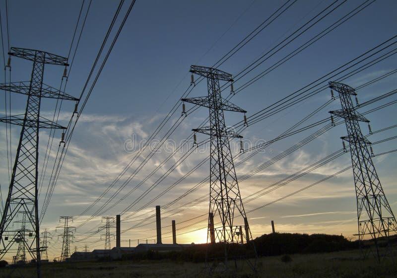 Download напряжение наивысшей мощности Стоковое Фото - изображение насчитывающей рассвет, вольты: 9186