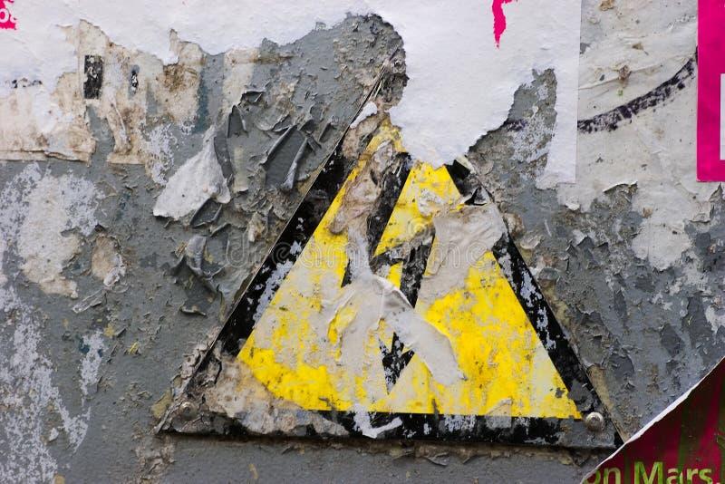 напряжение тока высокого знака grunge стоковые изображения rf