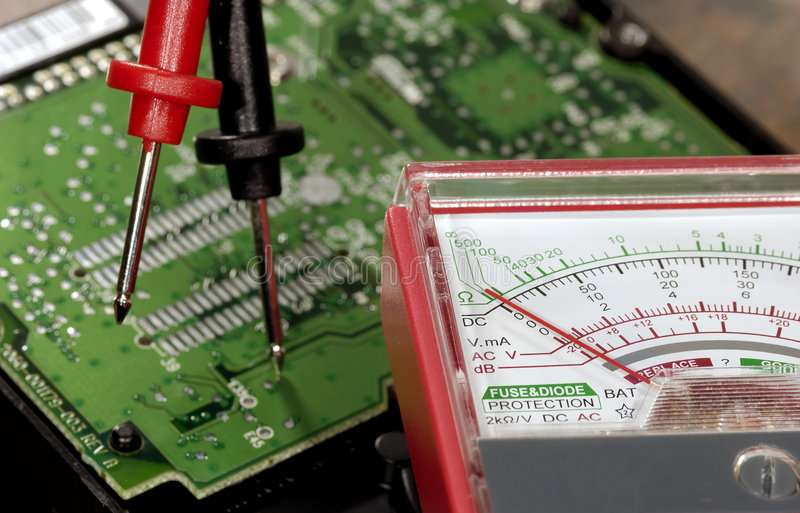 напряжение тока метра стоковые изображения