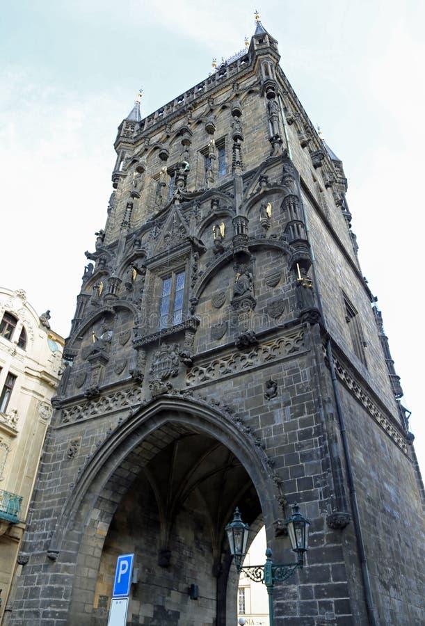 Напудрите башню в Праге использовал для того чтобы содержать порох стоковые изображения rf