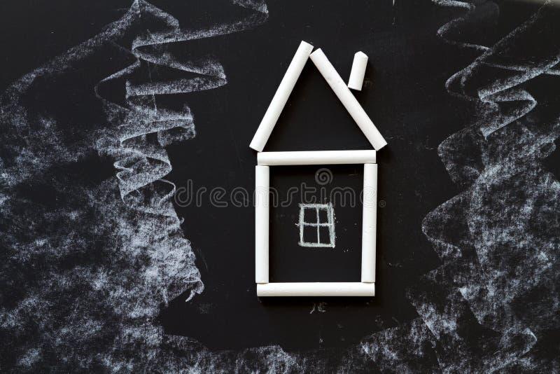 Нарисованная рука мела дома стоковое фото rf