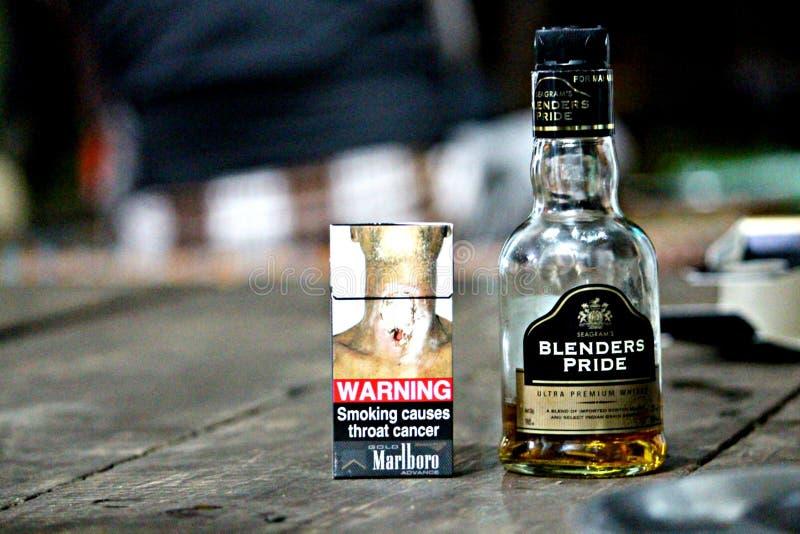 наркомания Оно причиняет '😠'😠рака стоковая фотография rf