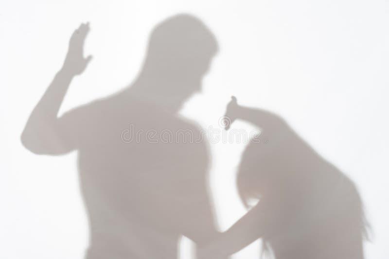 Насилие человека против женщины стоковая фотография rf