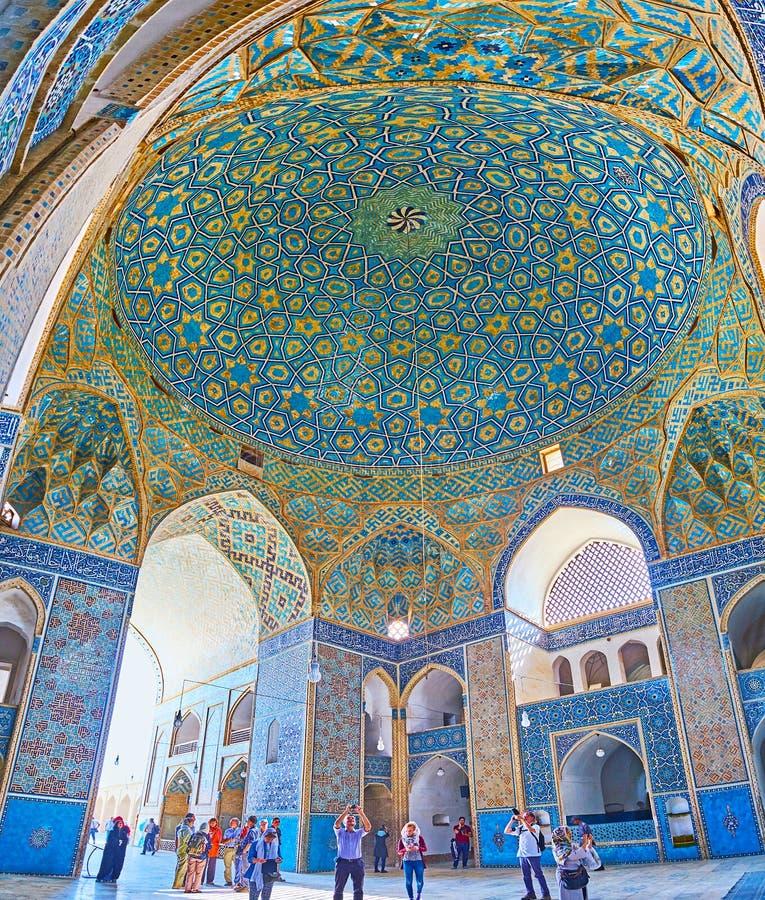 Насладитесь интерьером мечети Jameh, Yazd, Ирана стоковая фотография rf