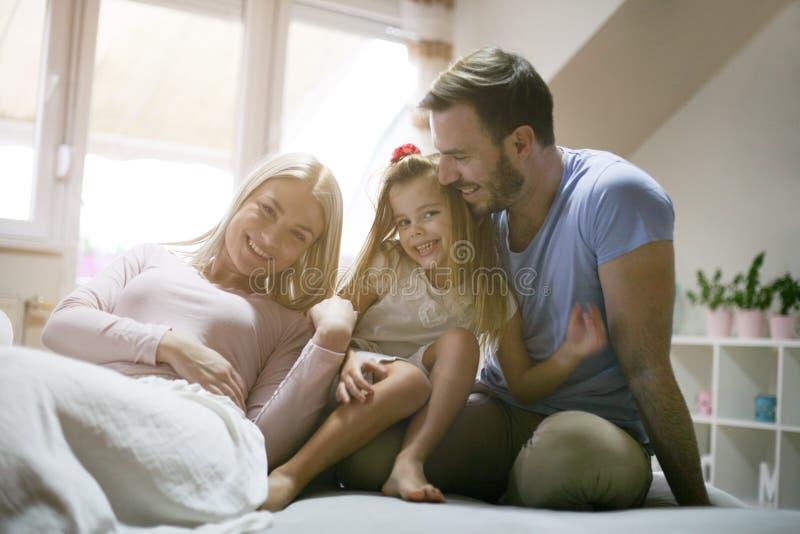 наслаждаться домой играть родного дома стоковое изображение rf