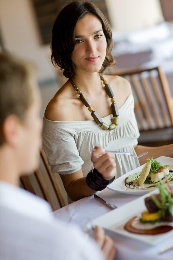 Наслаждаться обедом стоковое фото rf