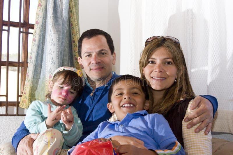 наслаждающся семьей совместно стоковая фотография