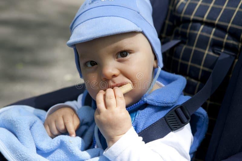 наслаждение первый s ребенка стоковая фотография rf