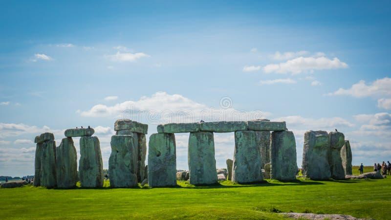Наследие ЮНЕСКО Стоунхендж в Великобритании на солнечный летний день стоковые изображения