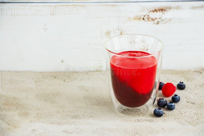 Наслоенный smoothie плодоовощ стоковая фотография