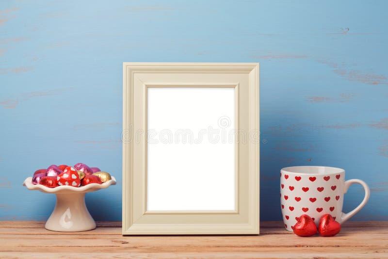 Насмешка плаката вверх по шаблону на день валентинки стоковые фотографии rf