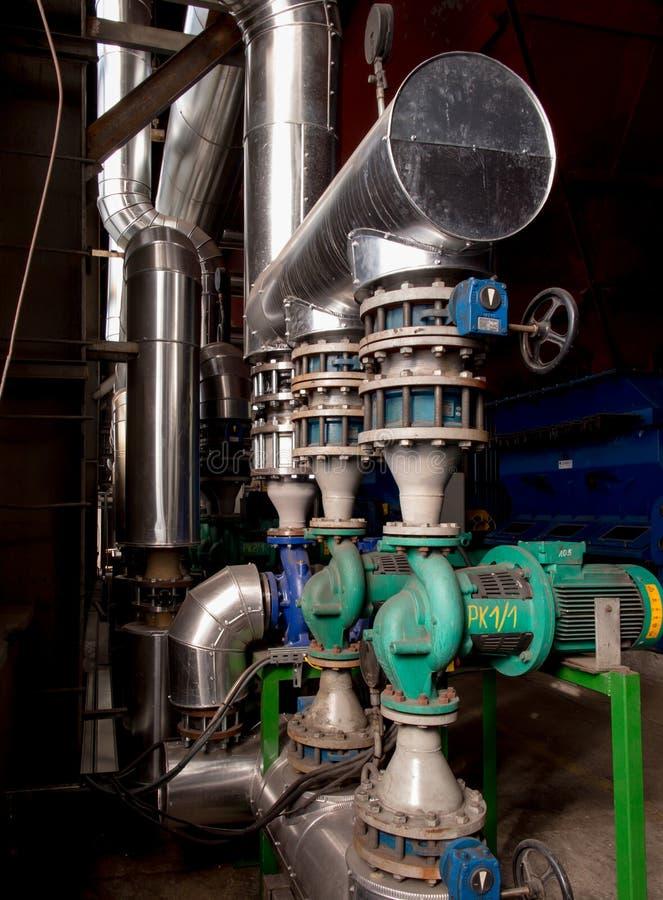 Насосы, клапаны и вода тубопровода - горячая и холодная стоковые изображения