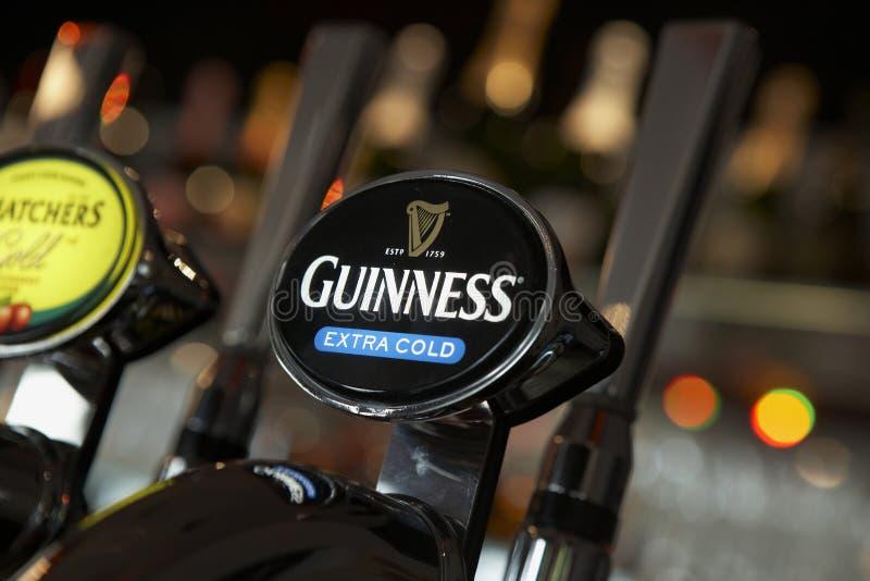 насос guinness пива штанги стоковые фото