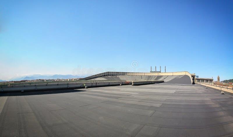 Настелите крышу верхняя трасса на фабрике автомобиля Фиат lingotto бывшей стоковая фотография rf
