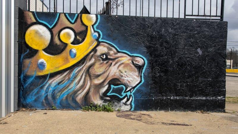 Настенная роспись искусства короля Стены льва в глубоком Ellum, Далласе, Техасе стоковые изображения rf