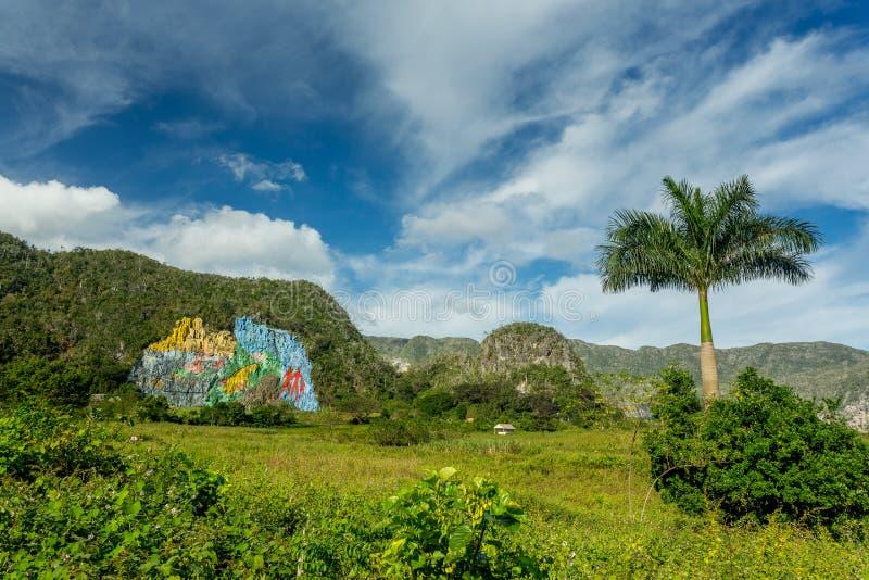 Настенная роспись de Ла prehistoria, Vinales, Куба стоковая фотография