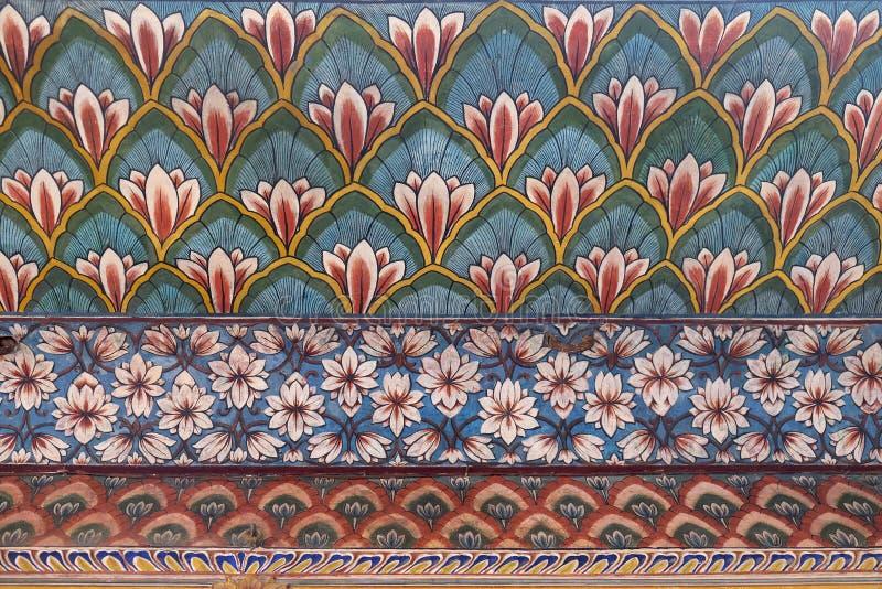 Настенные живописи в Chandra Mahal, дворце города Джайпура стоковая фотография rf