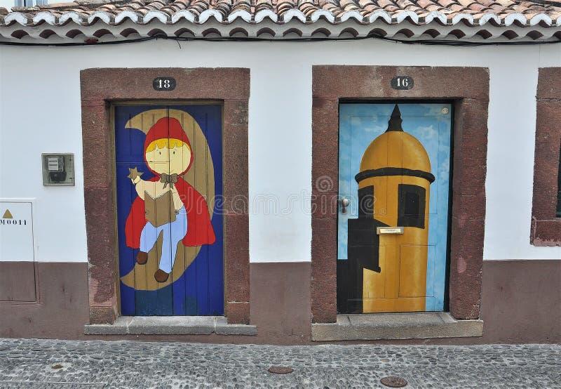 Настенные росписи и художественное в Мадейре стоковая фотография