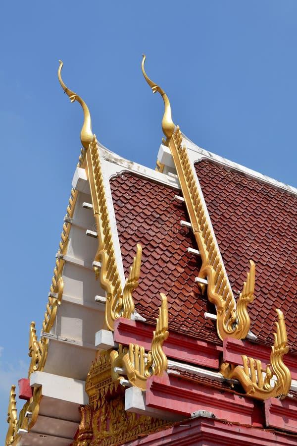настилите крышу висок тайский стоковая фотография