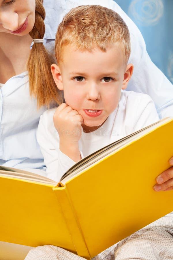 Настолько крепко прочитать для того чтобы научить для того чтобы прочитать стоковые изображения rf